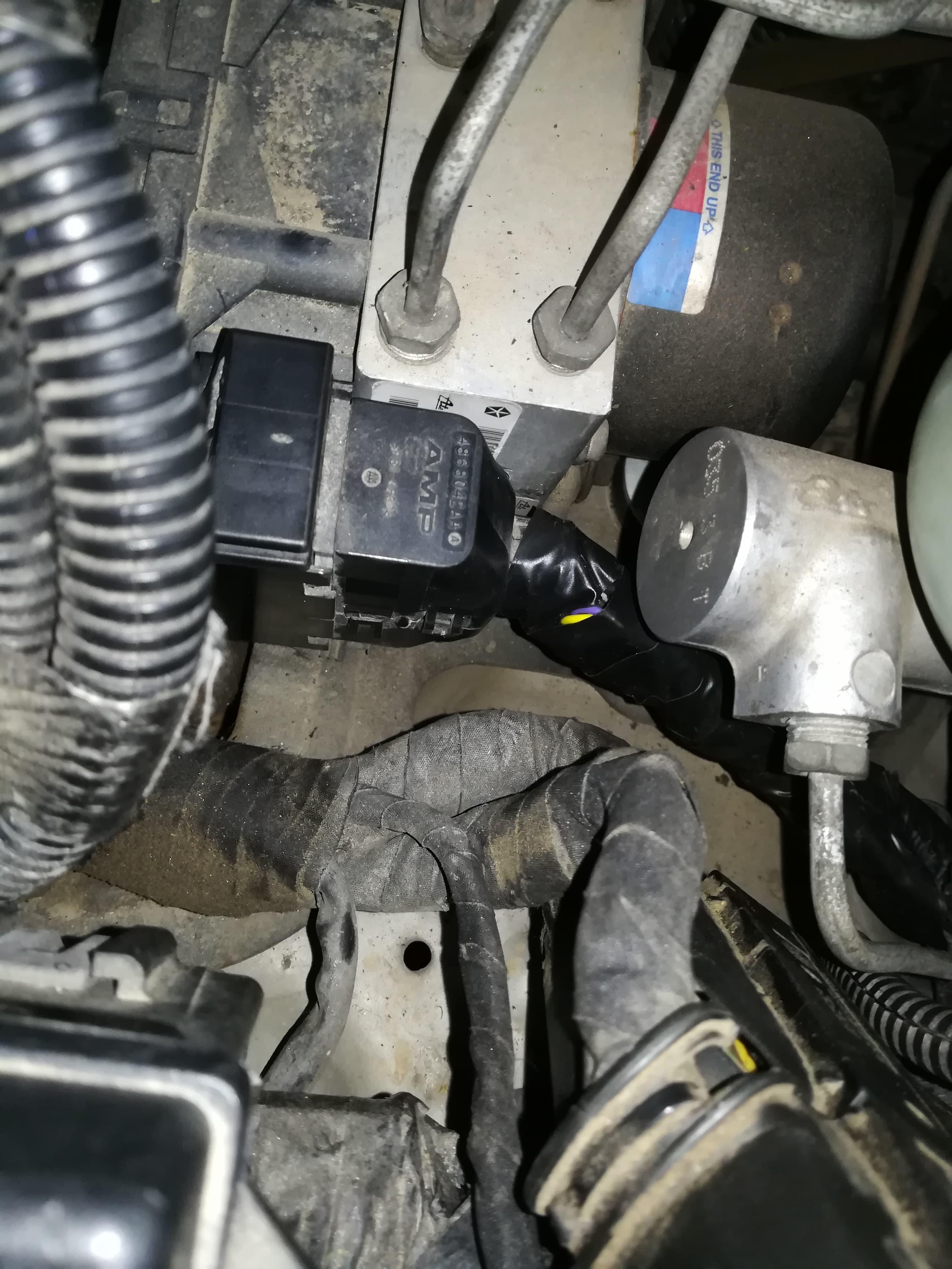 ABS plug Jeep Grand Cherokee id51 p0702 p2502 ABS plug